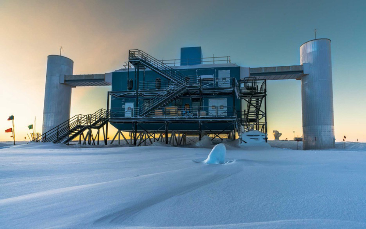 The IceCube Lab at sunset in 2017.